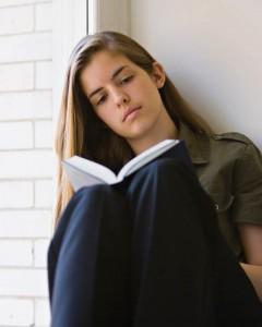 mormon-young-woman-reading