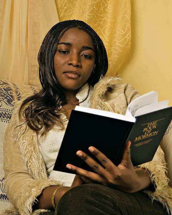 mormona-negra-libro-mormón